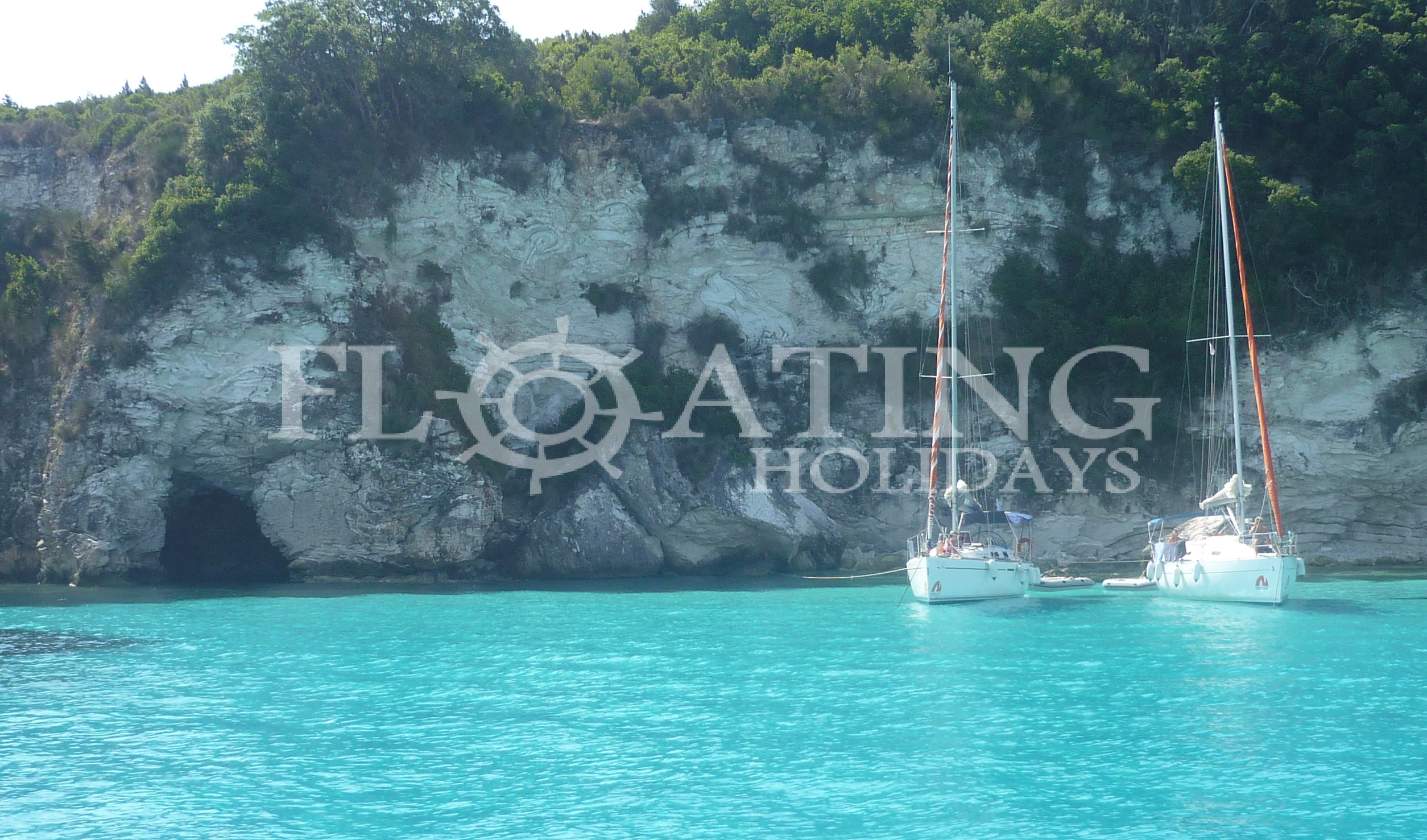 Antipaxos-sailing-beach-nature