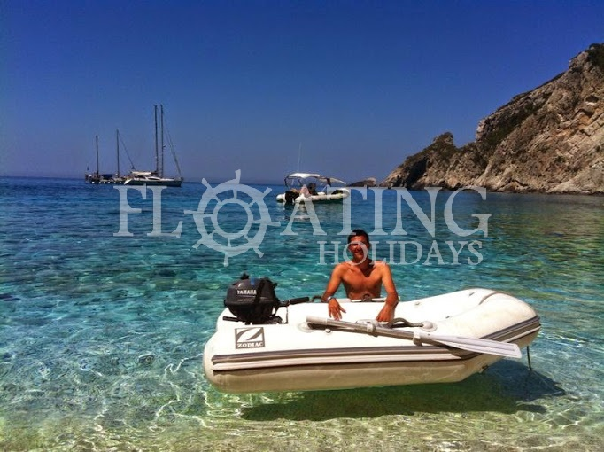 tender-dinghy-boat-ionian-beach