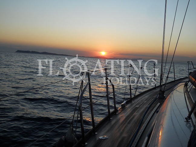 tramonto-relax-charter-holiday